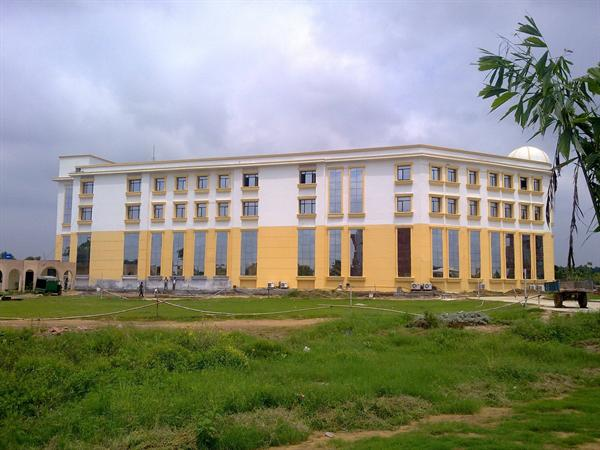 MBA Building from the backside....