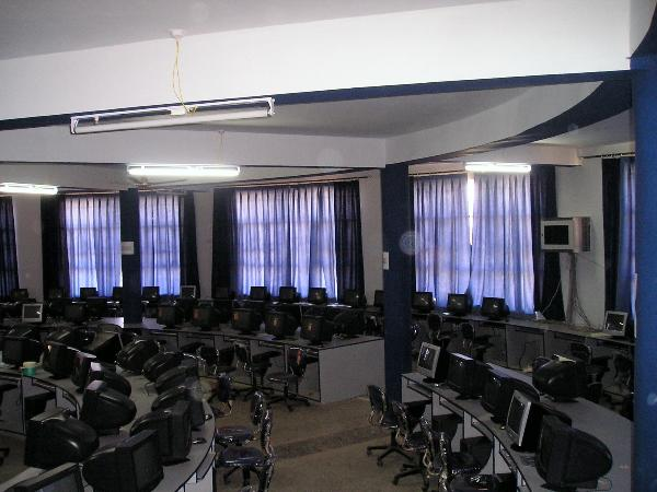 Computer lab at Nagaji Institute of Technology & Management, Gwalior