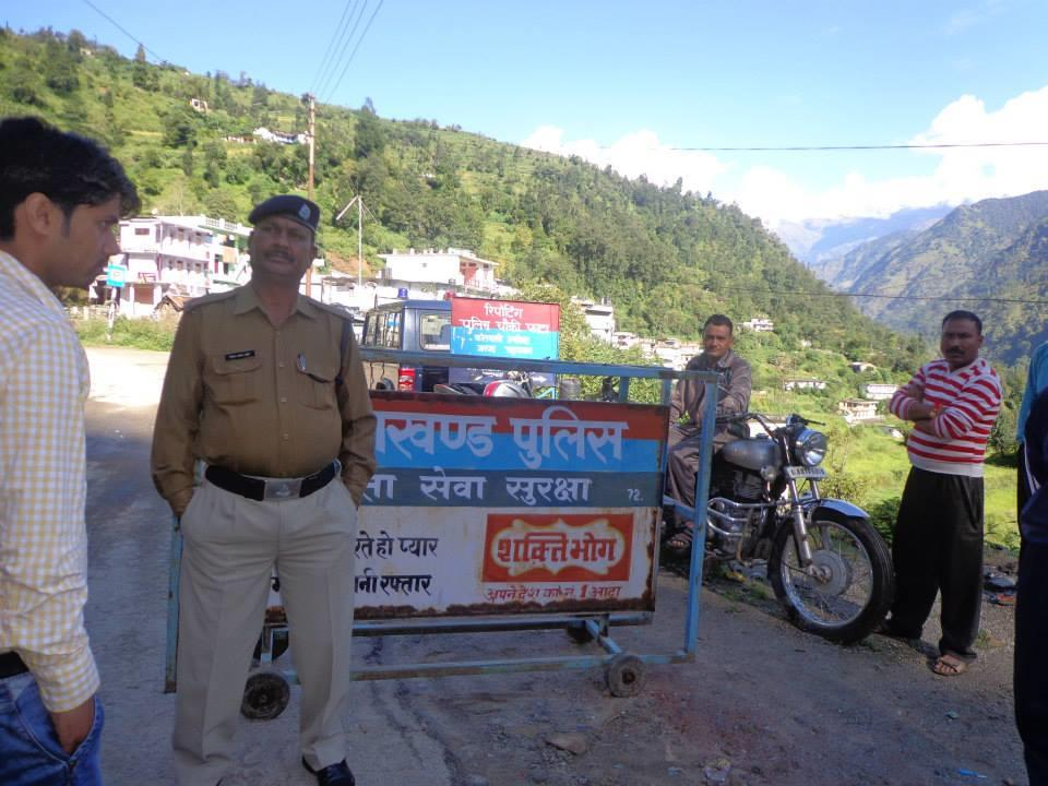 Uttrakhand Police stops traffic in flood hit region