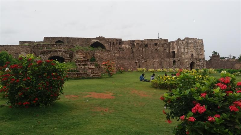 Golconda Fort a picnic spot in Hyderabad