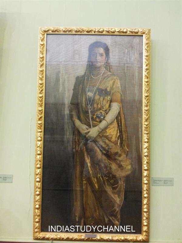 Oil on canvas painting of a traditional Maharashtra woman as seen in Chhatrapati Shivaji Museum