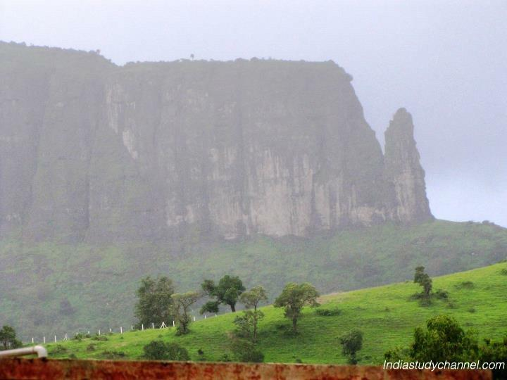 Beautiful scenary picture of hills in Nashik