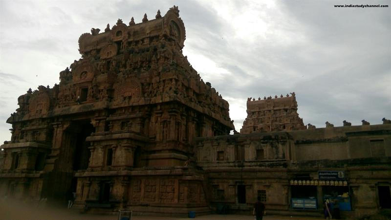 Brihadeeswarar Temple (Entrance)