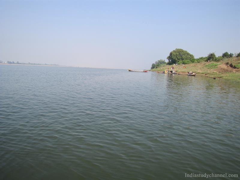 Godavari river at Parnasala near Bhadrachalam