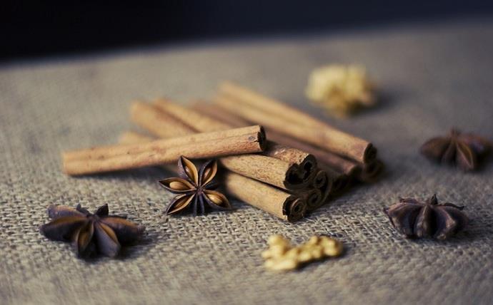 Health Benefits of Cinnamon .
