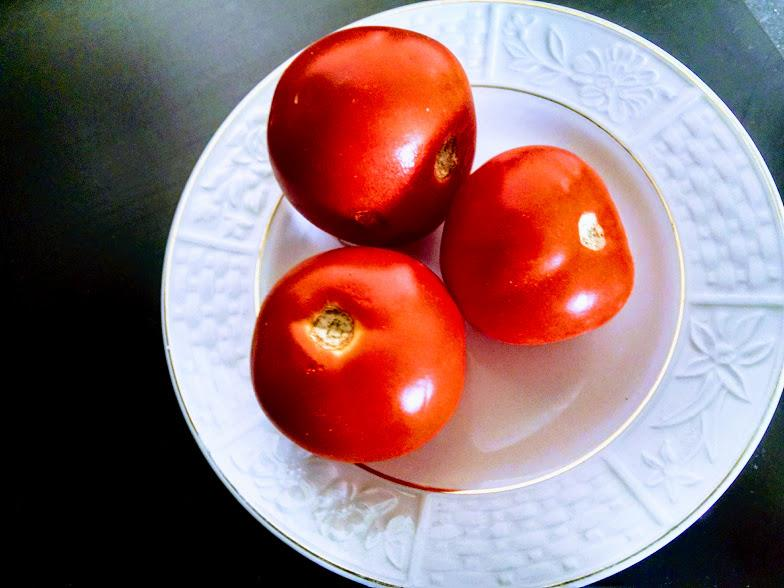 Tomatoes are excellent skin toners