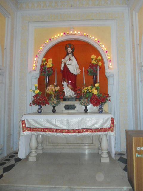 Staute of the Sacred Heart at Sardhana Church