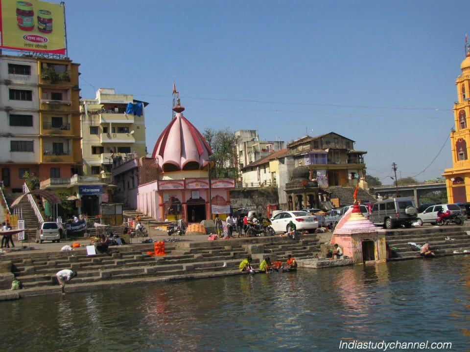 Temples on the ghats of river godavari