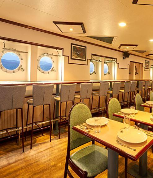 Restaurant on board Angriya