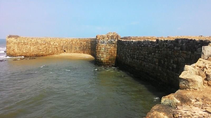 View of bastions of Sindhudurg