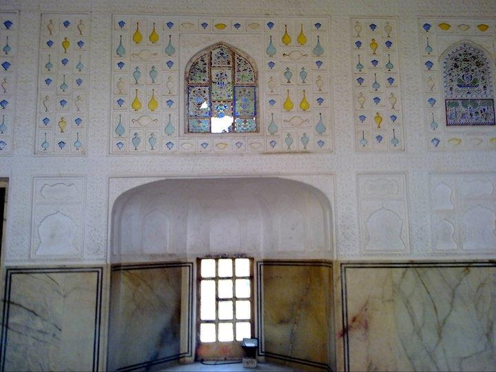 Decorative wall panels inside Jaipur Palace